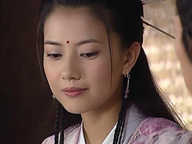 Ai nấy phát bực vì Chu Chỉ Nhược quá bánh bèo, mãi không chịu ác trong Tân Ỷ Thiên Đồ Long Ký - Ảnh 9.