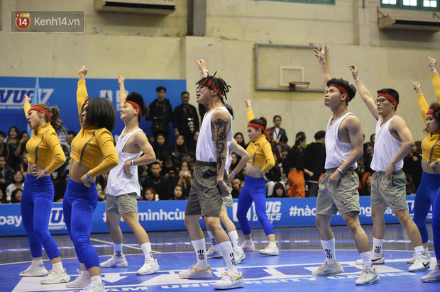 Đã mắt ngắm dàn gái xinh các trường Đại học lớn nhất Hà Nội khoe vũ đạo sexy - Ảnh 9.