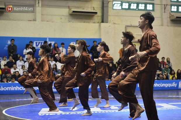 Đã mắt ngắm dàn gái xinh các trường Đại học lớn nhất Hà Nội khoe vũ đạo sexy - Ảnh 13.