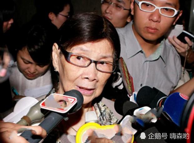 Hé lộ hình ảnh từ bữa tiệc tiêu tốn 7 tỷ đồng, la liệt quà dát vàng mừng thọ 95 tuổi của mẹ Mai Diễm Phương - Ảnh 1.