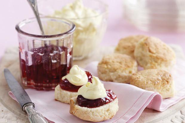 Tiệc trà chiều của bạn sẽ trông chuẩn và sang hơn hẳn nếu có các món bánh này - Ảnh 2.