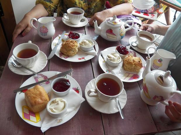 Tiệc trà chiều của bạn sẽ trông chuẩn và sang hơn hẳn nếu có các món bánh này - Ảnh 1.