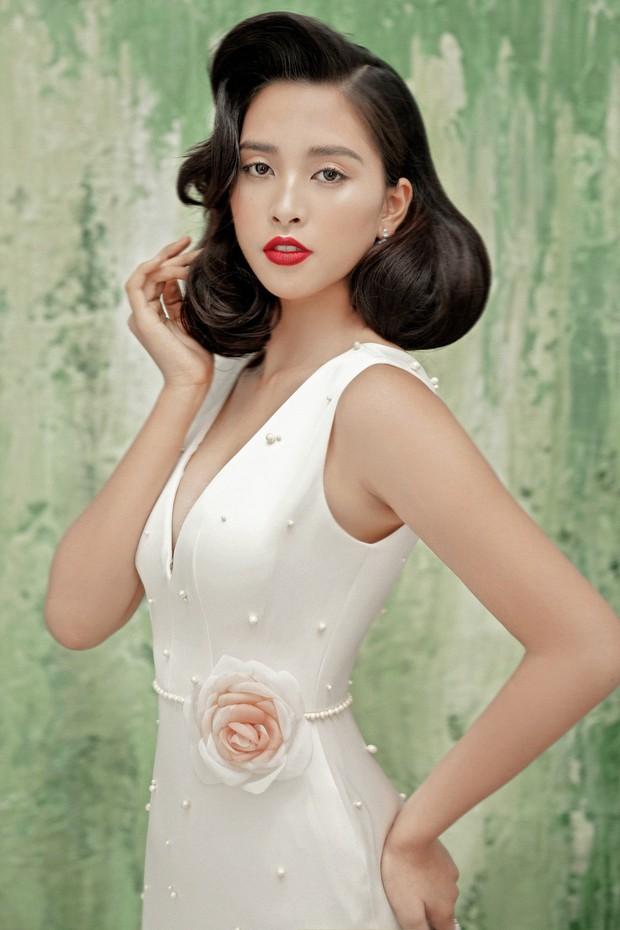 Mỹ nhân 10x Trần Tiểu Vy lột xác quyến rũ sau nửa năm đăng quang Hoa hậu Việt Nam 2018 - Ảnh 1.