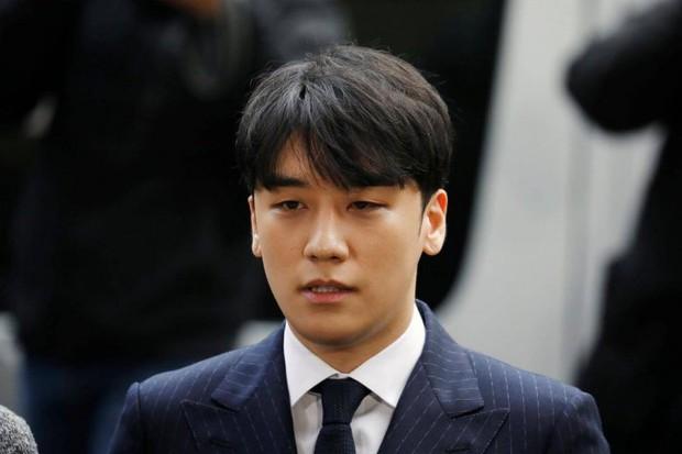 Seungri tự nhận là nạn nhân của chuỗi bê bối Burning Sun, Jung Joon Young bỗng được réo gọi vì bị bạn thân đổ vỏ - Ảnh 1.