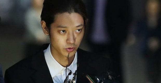 Seungri tự nhận là nạn nhân của chuỗi bê bối Burning Sun, Jung Joon Young bỗng được réo gọi vì bị bạn thân đổ vỏ - Ảnh 3.