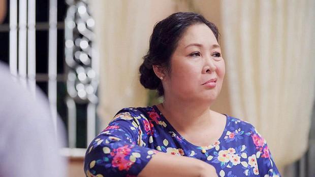 Bó tay bái phục với 4 cao chiêu của các bà mẹ tánh kỳ trên màn ảnh Việt - Ảnh 12.