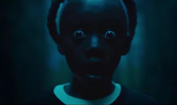 """Ai xem xong phim kinh dị """"Us"""" cũng mất ngủ với 12 chi tiết đáng sợ đến ám ảnh nhất sau - Ảnh 1."""
