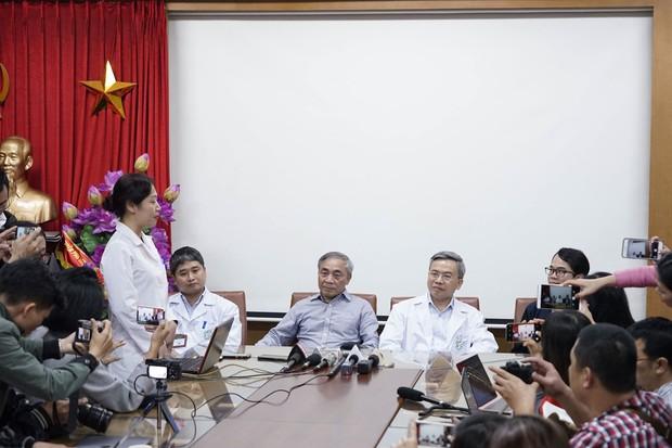 Họp báo tại BV Bạch Mai: Phát ngôn của bác sĩ Phong ở chùa Ba Vàng không đại diện ai và không có giá trị nào - Ảnh 2.