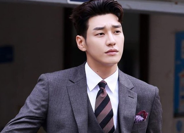 Tranh thủ lúc Park Min Young làm fan girl, SBS lẹ tay làm Thư Kí Kim phiên bản 2019 với Love At First Sight - Ảnh 1.