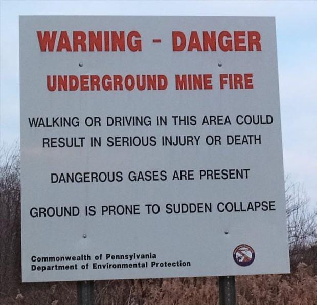 Lửa địa ngục cháy suốt 57 năm ngay bên dưới thị trấn ma ở nước Mỹ - Ảnh 1.
