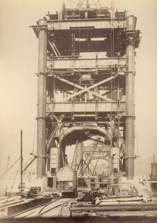 """Cảnh tượng ngoạn mục khó tin khi xây dựng các công trình """"thế kỷ"""" - Ảnh 15."""