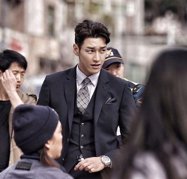 Tranh thủ lúc Park Min Young làm fan girl, SBS lẹ tay làm Thư Kí Kim phiên bản 2019 với Love At First Sight - Ảnh 3.