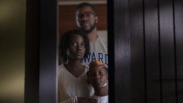 """Ai xem xong phim kinh dị """"Us"""" cũng mất ngủ với 12 chi tiết đáng sợ đến ám ảnh nhất sau - Ảnh 4."""