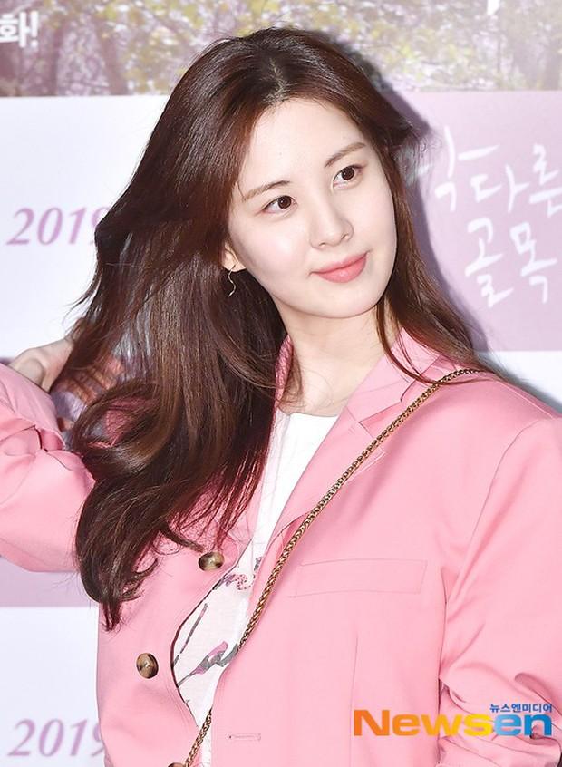 Sooyoung mời cả dàn mỹ nhân SNSD đến sự kiện: Taeyeon thảm họa, em út Seohyun đọ body siêu nuột với nữ diễn viên - Ảnh 9.