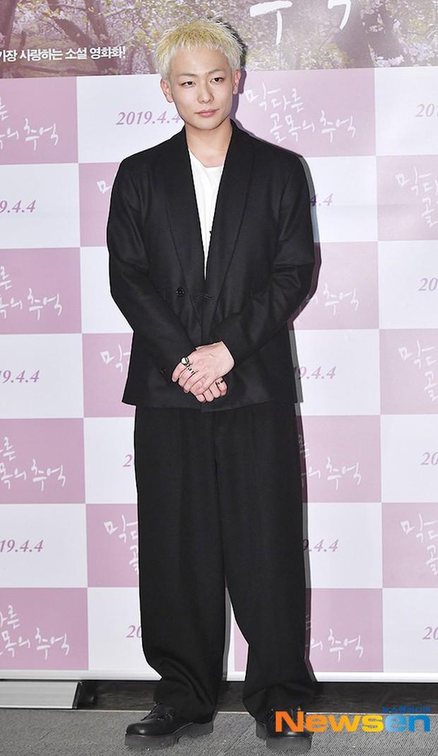 Sooyoung mời cả dàn mỹ nhân SNSD đến sự kiện: Taeyeon thảm họa, em út Seohyun đọ body siêu nuột với nữ diễn viên - Ảnh 23.