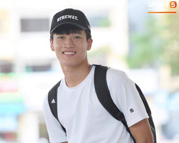 2 cầu thủ liên tiếp nâng tỉ số cho U23 Việt Nam: Cao hơn 1m8 và tất nhiên là... đẹp trai! - Ảnh 1.