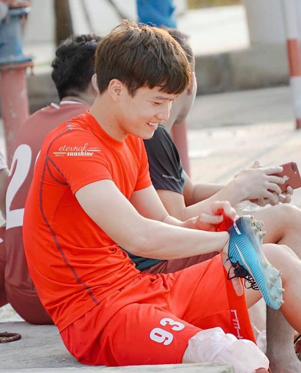 2 cầu thủ liên tiếp nâng tỉ số cho U23 Việt Nam: Cao hơn 1m8 và tất nhiên là... đẹp trai! - Ảnh 2.