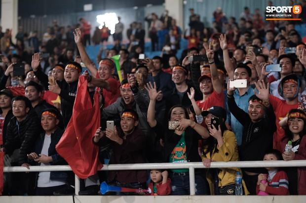 Đả bại Thái Lan với tỷ số đậm nhất lịch sử, tuyển thủ U23 Việt Nam ăn mừng đầy cảm xúc - Ảnh 13.