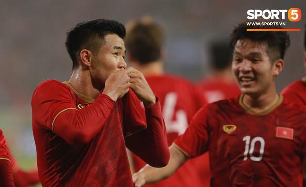 U23 Việt Nam 4-0 U23 Thái Lan: Cho người Thái nhận thất bại muối mặt, thầy trò HLV Park Hang-seo hiên ngang vượt qua vòng loại giải U23 châu Á - Ảnh 2.
