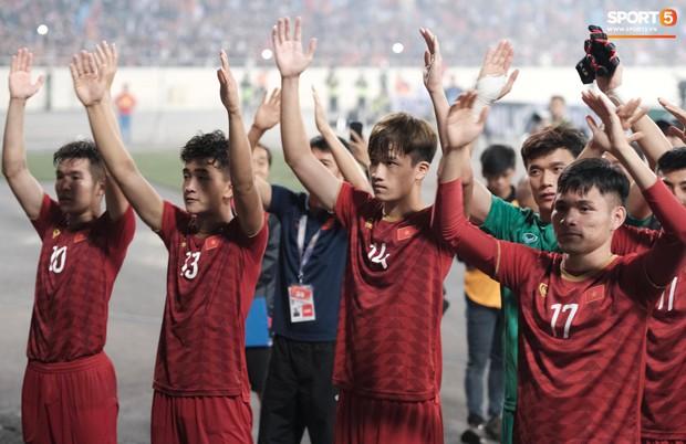 Đả bại Thái Lan với tỷ số đậm nhất lịch sử, tuyển thủ U23 Việt Nam ăn mừng đầy cảm xúc - Ảnh 2.