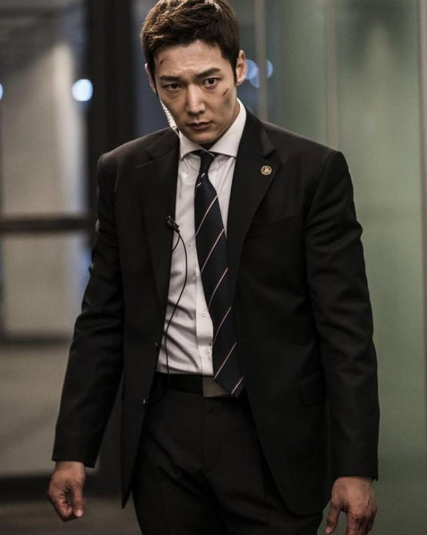 Chàng cận vệ điển trai Choi Jin Hyuk từ Last Empress sang phim mới vẫn quyết tâm báo thù cực nhây - Ảnh 2.