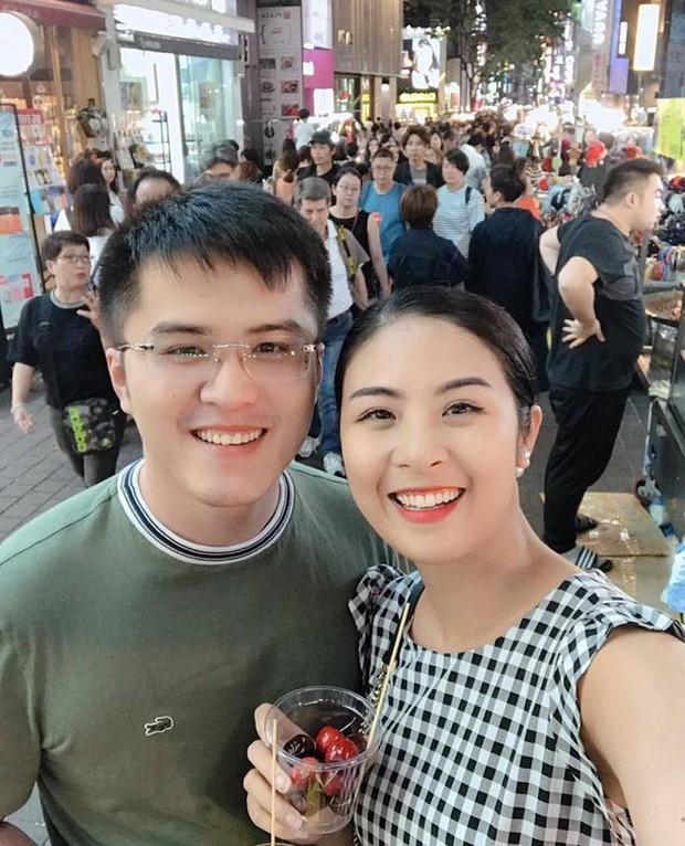 Hoa hậu Ngọc Hân lại bị đồn sắp lên xe hoa, đến hội chị em Đỗ Mỹ Linh, Thùy Dung cũng phải lên tiếng - Ảnh 3.