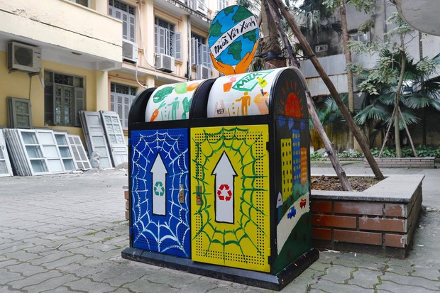 Nhìn những thùng rác này của sinh viên Nhân Văn, ai mà không nhặt rác cho vào đúng là có lỗi với môi trường! - Ảnh 14.