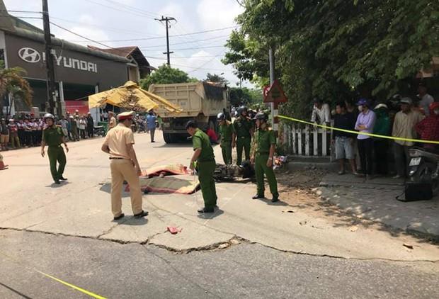 Xe tải va chạm xe máy, 2 phụ nữ tử vong thương tâm - Ảnh 1.