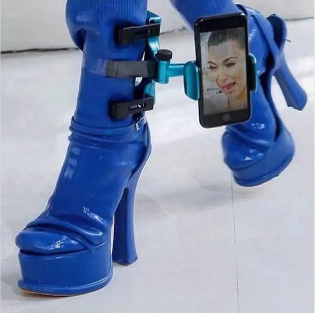 Loạt giày cao gót với thiết kế cực khó đỡ, không trượt ngã sấp mặt cũng khiến người đối diện rùng mình - Ảnh 3.