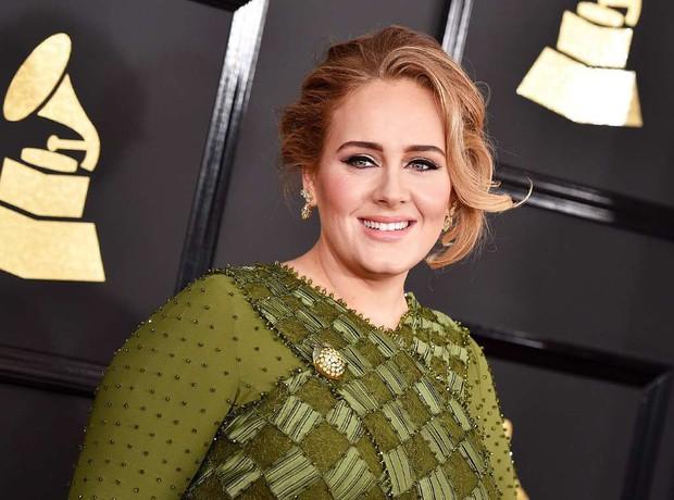 Chả ai như fan Adele: Nghe thần tượng comeback mà phản ứng không thể đỡ nổi thế này đây! - Ảnh 9.