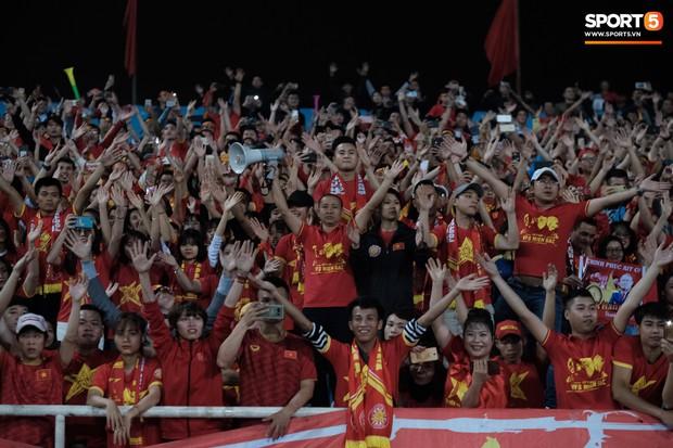 Đả bại Thái Lan với tỷ số đậm nhất lịch sử, tuyển thủ U23 Việt Nam ăn mừng đầy cảm xúc - Ảnh 12.