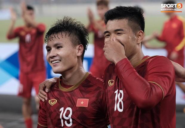 Đả bại Thái Lan với tỷ số đậm nhất lịch sử, tuyển thủ U23 Việt Nam ăn mừng đầy cảm xúc - Ảnh 6.