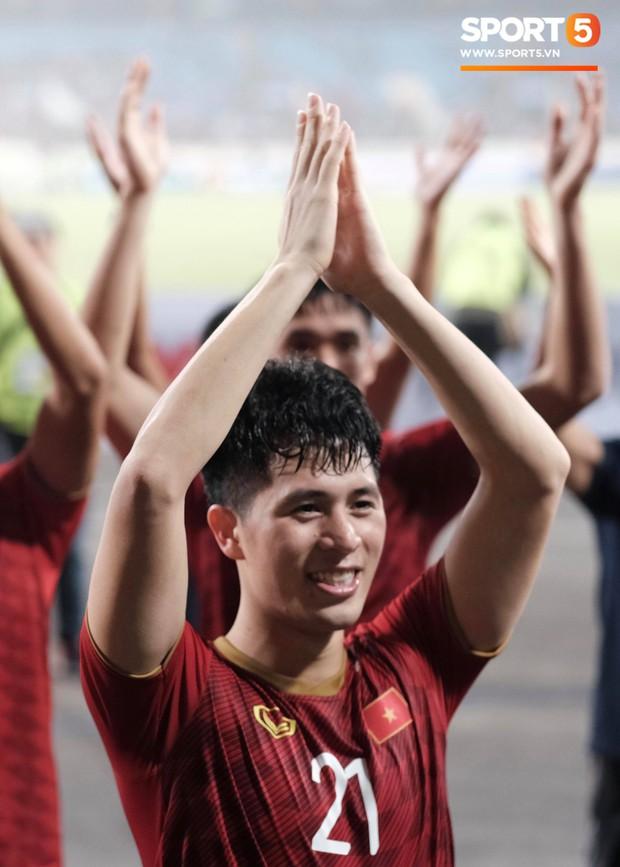 Đả bại Thái Lan với tỷ số đậm nhất lịch sử, tuyển thủ U23 Việt Nam ăn mừng đầy cảm xúc - Ảnh 10.
