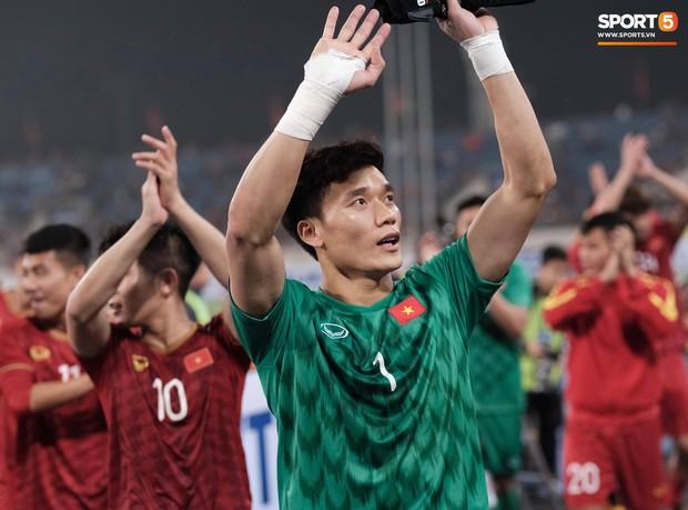 Đả bại Thái Lan với tỷ số đậm nhất lịch sử, tuyển thủ U23 Việt Nam ăn mừng đầy cảm xúc - Ảnh 8.