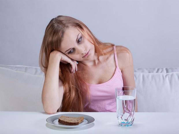 Những kiểu ăn kiêng sai lầm mà rất nhiều người mắc khi giảm cân, đặc biệt là cái số 3 - Ảnh 2.