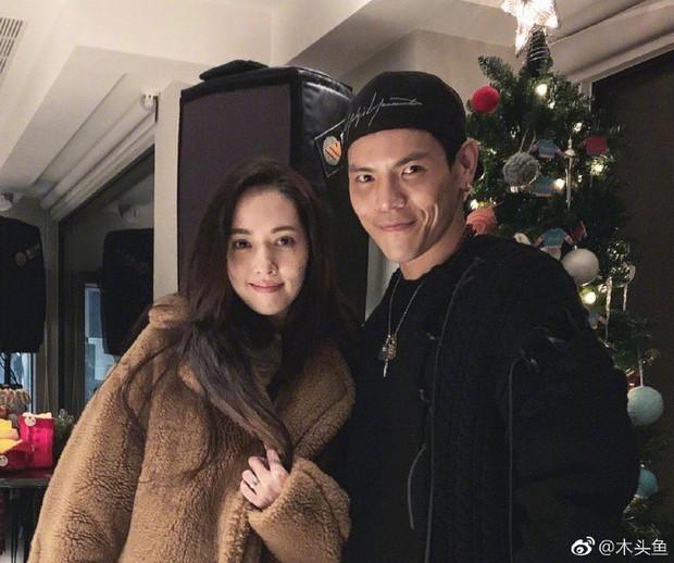 Bạn gái tin đồn của Seungri được con trai trùm showbiz Hong Kong cầu hôn, nhẫn kim cương khủng lộ diện - Ảnh 8.