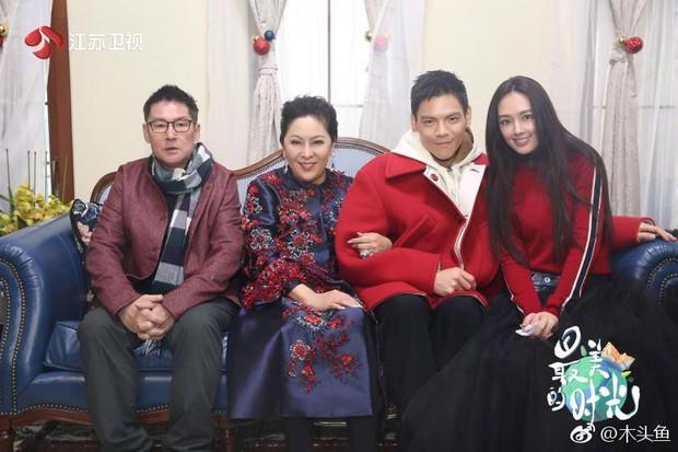 Bạn gái tin đồn của Seungri được con trai trùm showbiz Hong Kong cầu hôn, nhẫn kim cương khủng lộ diện - Ảnh 10.