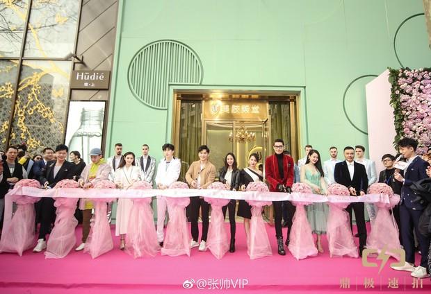 Hé lộ mức giá khủng gây tranh cãi tại spa của Phạm Băng Băng: Thấp nhất 170 triệu, cao nhất lên tới 3,5 tỷ đồng - Ảnh 5.