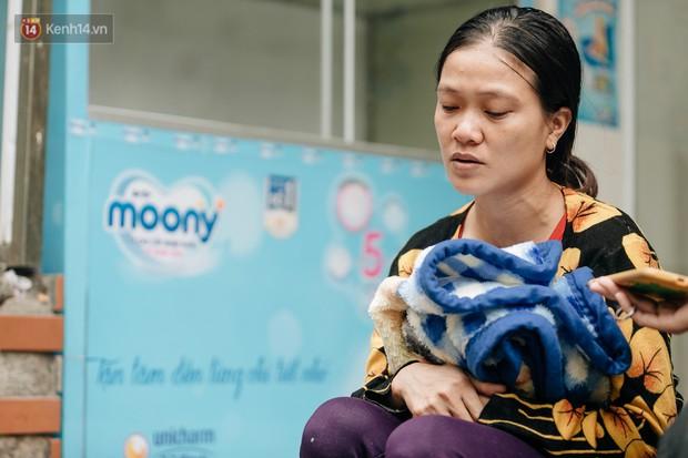 Mẹ bật khóc vì con trai 13 tuổi đạp xe không phanh vượt 100km từ Sơn La tới Hà Nội thăm em bị ốm: May mắn là con không sao... - Ảnh 6.