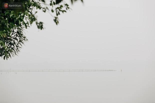 Hà Nội ngập trong sương bụi mù mịt bao phủ tầm nhìn: Tình trạng ô nhiễm không khí đáng báo động! - Ảnh 12.