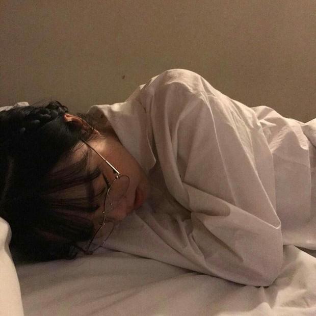 9X chính là thế hệ thiếu ngủ nhất: 84% gặp vấn đề về giấc ngủ, 33% chỉ lên giường lúc 1 giờ sáng - Ảnh 2.