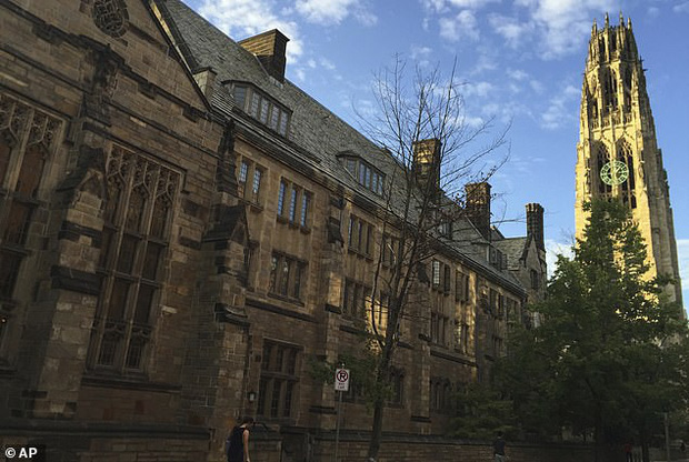 Đại học Yale đuổi nữ sinh viên mua suất học 1,2 triệu USD - Ảnh 1.