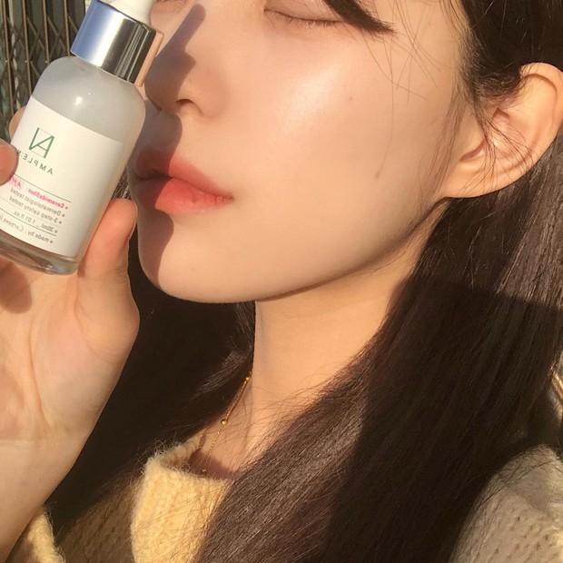 Thử skincare 10 bước kiểu Hàn xem có glass skin được không, beauty editor này nhận ra: đời không như là mơ nhưng da thực sự cải thiện - Ảnh 1.