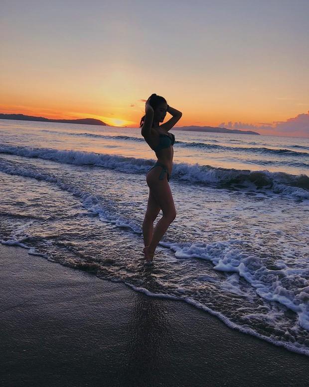 Phương Khánh diện áo tắm khoe thân hình chuẩn đồng hồ cát, catwalk tự tin sau nỗ lực giảm cân - Ảnh 4.