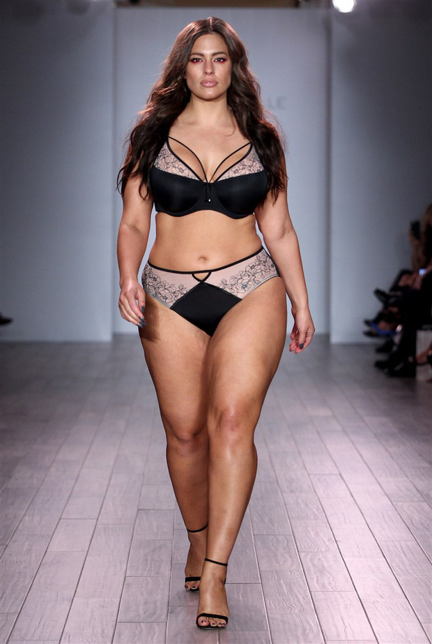 Vừa kết nạp được một người mẫu hơi béo đã tuyển thêm mẫu gầy, Victorias Secret gây thất vọng vì kém hiểu chuyện - Ảnh 2.