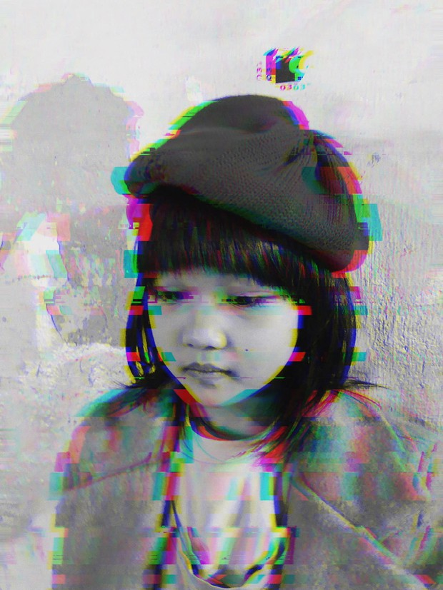 Cô bé 6 tuổi ở Hà Nội gây chú ý với thần thái cùng cách phối quần áo cũ cực chất - Ảnh 5.
