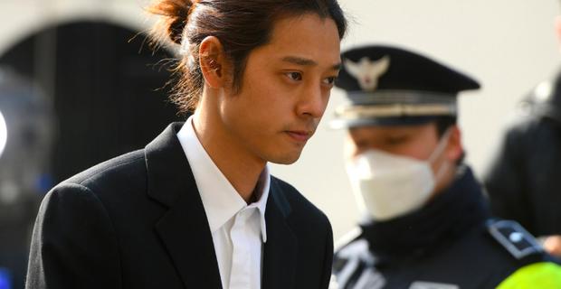 MBC tung tin gây sốc: Có đến 14 người trong chatroom của Jung Joon Young, 7 nhóm chat tình dục, còn nhiều sao Kbiz chưa bị chỉ điểm - Ảnh 3.