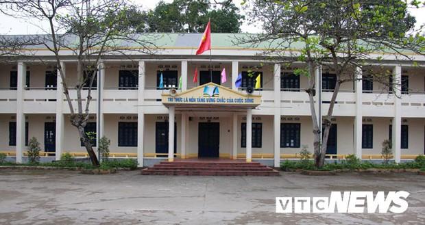 Cận cảnh ngôi trường gần 600 học sinh ở Quảng Ninh đồng loạt bỏ học do phải chuyển nơi khác - Ảnh 1.