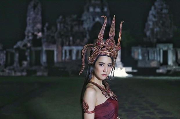 Mẹ chồng phải lòng con dâu, bạn thân quốc dân đối đầu Nữ Thần Rắn trong đại tiệc phim Thái tháng 4 - Ảnh 5.