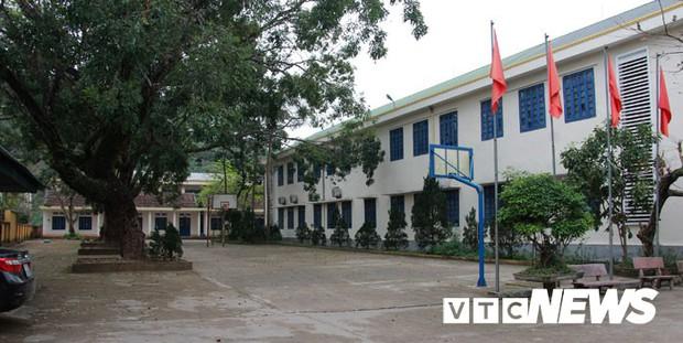 Cận cảnh ngôi trường gần 600 học sinh ở Quảng Ninh đồng loạt bỏ học do phải chuyển nơi khác - Ảnh 17.